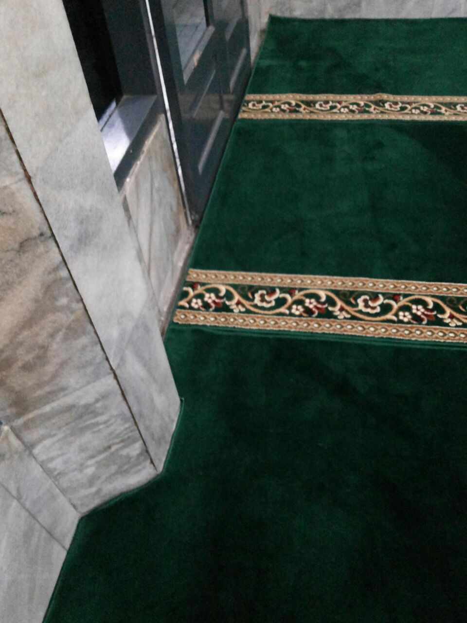 Tempat Dimana Jual Karpet Sajadah Masjid Turki Roll Berkualitas Tebal Di Tambun Timur